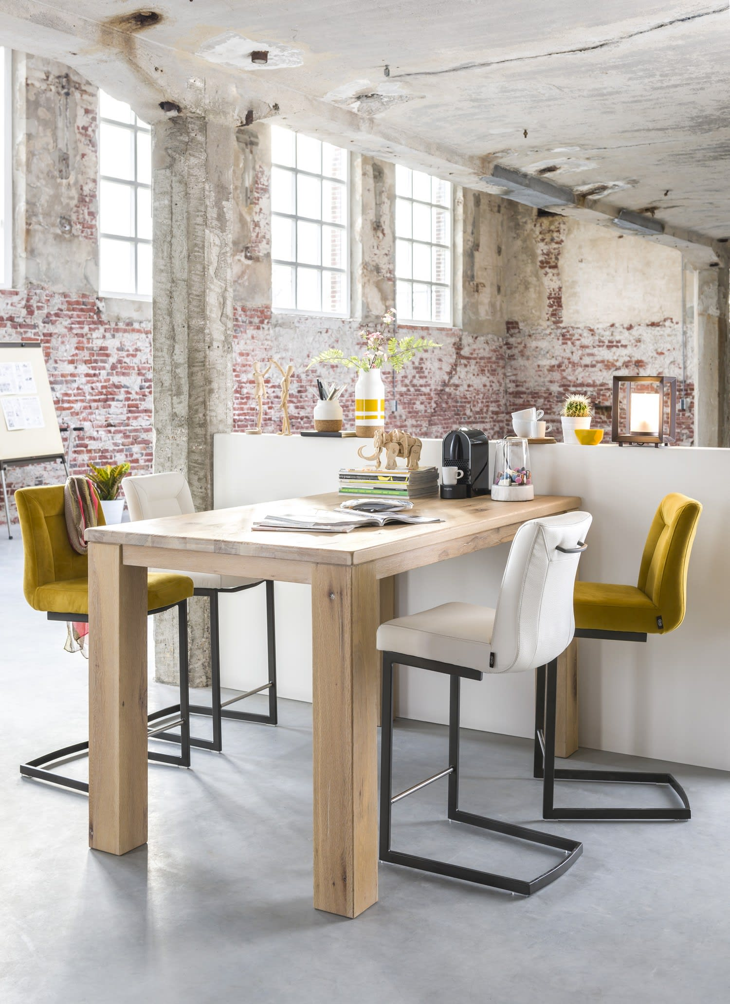 Belle Optimiser son espace cuisine : la table de bar et ses atouts CA-61