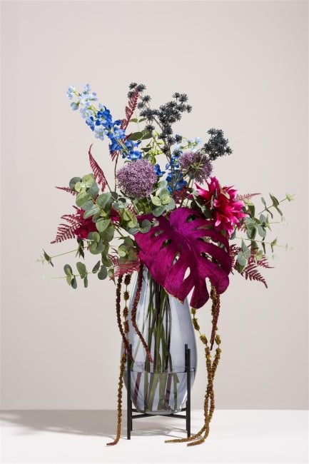 Coco Maison - bouquet of flowers into the galaxy without vase