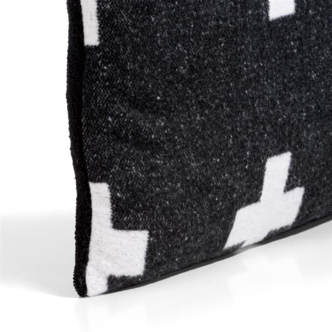 XOOON - Coco Maison - cross cushion 45x45cm