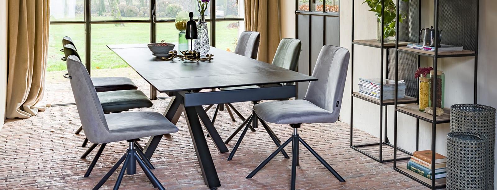 À la recherche d'une chaise moderne au design intemporel? La chaise Brody est alors ce qu'il vous faut.