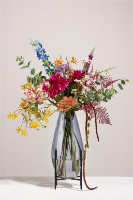 bouquet of flowers golden gipsy without vase