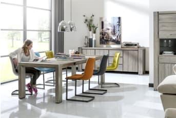 """Wat zijn ze handig de <a href=""""/hh/tafels/uitschuiftafels/"""">uitschuifbare eettafels</a>! Het merk Avola heeft er maar liefst 3 om uit te kiezen. Allemaal hebben ze hetzelfde fraaie Elmhouten tafelblad, geborsteld en geschaafd voor een robuust uiterlijk. De kleur Stone Grey combineert goed met de subtiele metalen accenten in de poten. De maten van de uitschuiftafels uit deze serie van Henders & Hazel zijn: 160 (+60) x 100 cm 190 (+60) x 100 cm 140 x 160 (+50) cm"""