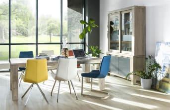"""Deze <a href=""""/hh/tafels/bartafels/"""">bartafel</a> uit de A la Carte collectie van Henders & Hazel is 140 x 90 cm en heeft een handige uitschuiffunctie. Door middel van een zogenaamd 'butterfly systeem' is de tafel eenvoudig te verlengen met 60 cm. Opvallend zijn de rvs tafelpoten die zorgen voor een moderne design uitstraling."""