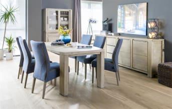 """Deze houten <a href=""""/hh/tafels/eettafels/"""">eettafel</a> uit de Buckley meubelcollectie heeft een bijzonder lijnenspel. De korte zijden zijn recht, de lange zijden ovaal. Hierdoor is deze tafel van duurzaam Acaciahout net weer wat anders dan anders. De prachtige tekening van het Acaciahout komt goed tot zijn recht in het royale tafelblad. Deze eettafel van Henders & Hazel biedt plaats aan zeker 8 personen. Deze tafel is ook in een kleinere afmeting verkrijgbaar."""