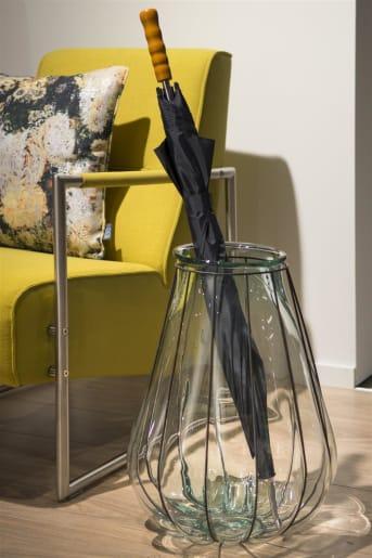 Particulièrement imposante, la lanterne Fusion large de la collection COCO Maison mesure 52 cm. Posez-la dans votre jardin ou sur le balcon avec une grande bougie. En intérieur aussi, elle créera une ambiance des plus chaleureuses. À associer avec la lanterne Fusion small.