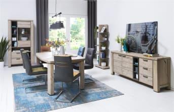 Deze eigentijdse eetkamertafel uit de Coiba collectie van Happy@Home heeft een stoere uitstraling. De tafel is 200 x 105 cm en gemaakt van Acaciahout. Dit hout heeft een mooie nerfstructuur. De tafel is afgewerkt in de kleur Tibet Grey. De subtiele antracietkleurige details bij de poten zorgen voor een mooie finishing touch. Aan tafel!