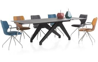 Eetkamerstoel Scout is een comfortabele designstoel, bestaande uit een rvs-onderstel en een zitting die bekleed met Tatra-kunstleder. De stoel is verkrijgbaar in drie kleuren. Eventueel kunt u deze fraaie eetkamerstoel ook nog uitbreiden met twee armleuningen, die apart te bestellen zijn.