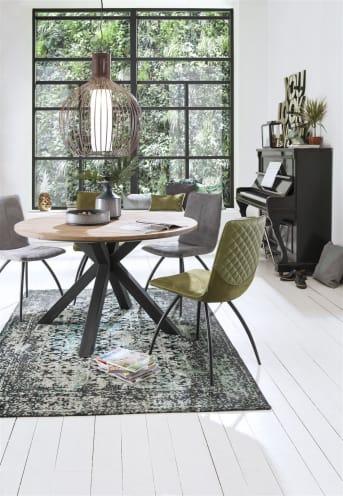 """Ben jij op zoek naar een nieuwe <a href=""""/xn/tafels/eettafels/"""">eetkamertafel</a> waar je heerlijk aan kunt eten met familie en vrienden? Deze prachtige Colombo tafel is niet alleen een prachtig zicht, maar ook nog eens heel praktisch! Rondom kun je veel stoelen kwijt, en je hebt toch een tafel in de lengte. De tafel Colombo is gemaakt van massief kikarhout. Kikarhout is afkomstig uit India, en is een duurzame houtsoort met een bijzonder karakter. De vlamtekening, nerven en diverse houttinten in het hout zorgen voor een warme, sfeervolle uitstraling. De eettafel Colombo is zeker een eyecatcher voor elk interieur!"""