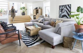 Der Sessel Northon von Henders & Hazel ergänzt den skandinavischen Stil mit einem klaren und einfachen Design. Northon kann mit Stoff und Leder bezogen werden. Der Holzrahmen ist in drei Farben erhältlich. Welcher Stil für Ihren Lieblings-Northon?
