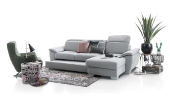 """Donnez une nouvelle dimension à vos moments de détente en adoptant ce canapé Dax 3 places ! Grâce à son style sobre et élégant, ce <a href=""""/hh/canapes/canapes-3-places/"""">canapé 3 places</a> en cuir ou en tissu s'adaptera à tous les intérieurs. Véritable canapé relax, ce canapé est doté d'appuis-tête ajustables et de repose-pieds, pour vous assurer une position 100% confort. Téléchargez notre catalogue !"""