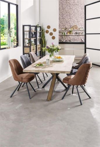 """Ben jij opzoek naar nieuwe <a href=""""/hm/stoelen/eetkamerstoelen/"""">eetkamerstoelen</a>? Dan ben je bij Happy@Home aan het goede adres. De eetkamerstoel Eefje van het merk Happy@Home heeft een mooie kuipstoel, bekleed met de stof Kibo. Deze zachte stof lijkt op suède en voelt aangenaam warm en zacht. De mooie brede kuip is fraai afgewerkt met een hip stiksel en handvat op de achterzijde. Het handvat achter op de rug is praktisch voor het aanschuiven van de stoel en zorgt tegelijkertijd voor een speels karakter. Stoel Eefje is beschikbaar in zes kleuren stof: antraciet, cognac, lichtgrijs, taupe, skyblue en groen. De stoel is voorzien van zwarte metalen poten. Dit geeft eetkamerstoel Eefje een mooie moderne designlook."""