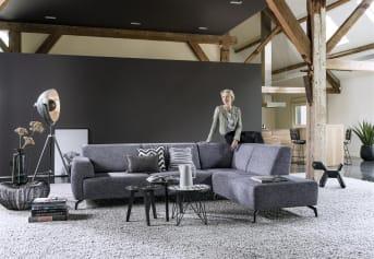 Möchten Sie Ihr eigenes ideales Baltimore-Sofa zusammenstellen? Das ist möglich. Beim Baltimore gibt es verschiedene Einzelelemente, mit denen Sie mit wenigen Klicks das perfekte Sofa kreieren können, das am besten zu Ihrem Interieur passt. Verbinden Sie zum Beispiel dieses Eckelement mit einem 3-Sitzer und einer Ottomane und schon haben Sie ein schönes Lounge-Sofa. Nun bestimmen Sie noch die Füße, die Polsterung und den Sitzkomfort. Im Handumdrehen können Sie sich in Ihrem eigenen Wohnzimmer entspannen.