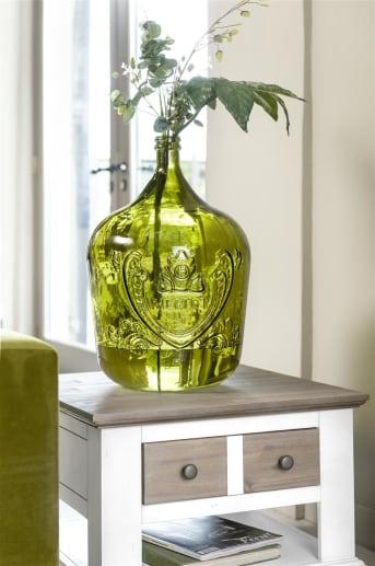 Flesvaas Juan large van COCO Maison heeft een mooie frisse groene kleur. De vaas is gemaakt in Spanje van 100% gerecycled glas. Het reliëf patroon op de vaas zorgt voor een vleugje vintage.