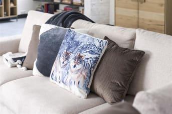 Gemütlich, komfortabel, samtig. Kissen Star Night von COCO maison bietet Komfort und Weichheit. Die dezenten Glitzer verleihen dem Kissen einen leichten Glanz. Ideal zu kombinieren mit der passenden Star Night-Decke.