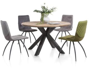 """Découvrez cette confortable <a href=""""/xn/chaises/chaises-de-salle-a-manger/"""">chaise de salle à manger</a> de la collection Milo. Dotée de pieds en métal noir et d'une assise en tissu avec piqûre, elle affiche un style tout en élégance et en finesse. Elle sera du meilleur effet dans votre séjour, autour d'une grande table par exemple et se mariera à merveille à la décoration soignée d'un intérieur moderne. Téléchargez notre <a href=""""https://depliant.xooon.com/"""">catalogue</a> !"""