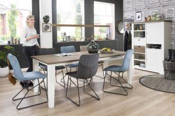 """De Malton <a href=""""/hm/tafels/eettafels/"""">eetkamertafel</a> van Happy@Home komt goed tot zijn recht in een landelijk, romantisch interieur. De tafel past perfect bij de Mallorca-meubecollectie en heeft dezelfde kleurcombinatie: wit en Wagon Grey. Het tafelblad van Acaciahout is handmatig bewerkt, waardoor de tafel een mooie vintage uitstraling heeft. De eetkamertafel is in 3 afmetingen verkrijgbaar:160 x 90 cm, 180 x 90 cm en 210 x 100 cm."""