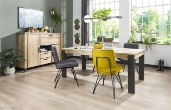 Deze moderne fauteuil Bruce van Happy@Home heeft een strak eigentijds design. De stoel is bekleed met de stof Lana in de kleur antraciet en is voorzien van een zwarte/antraciete bies van Tatra lederlook. Een heerlijk stoeltje voor erbij. Tip: er zijn ook eetkamerstoelen Bruce met een zelfde design. Handig als je graag al je meubelen op elkaar afstemt.