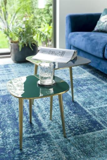 Bijzettafel JASON van COCO maison is gemaakt van licht aluminium en afgewerkt met een gouden finish. Daarmee kan tafeltje JASON tegen een stootje, en je pakt hem er makkelijk bij. JASON biedt je net even die extra tafelruimte die je nodig kan hebben in je interieur.