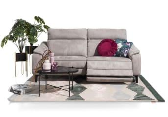 Dieser 2,5-Sitzer Atlanta von Henders & Hazel hat ein zeitloses Design. Das Basis Sofa ist schön, aber für diejenigen, die es noch luxuriöser mögen, gibt es genug Auswahl. Wie wäre es mit einem elektrisch verstellbaren Relaxsystem oder einem USB-Anschluss? Aber auch eine verstellbare Kopfstütze und Taschenfederkern sind möglich. Für die Polsterung gibt es entwerder Stoff oder Leder, wobei man aus vielen Arten und Farben wählen kann.