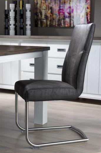 Dieser modern Esszimmerstuhl Travis von Henders & Hazel ist mit dem Stoff Puma bezogen. Der Stuhl hat ein schönes Edelstahl-Freischwingergestell. Der Travis Stuhl ist in dieser Version 'schnell verfügbar', was bedeutet, dass Sie den Stuhl extra schnell im Haus haben.