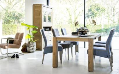 La vitrine, un meuble qui montre et qui se montre