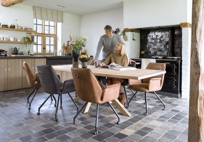 Quelle forme choisir pour une table conviviale ?