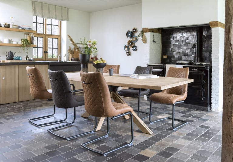 Der perfekte Traum: Möbel – mit Ziernähten veredelt