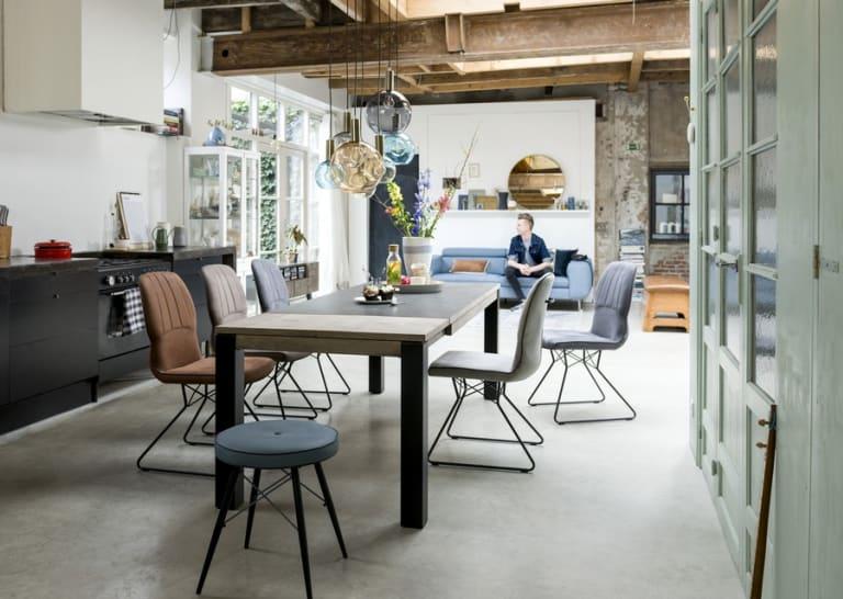 Aménager sa cuisine : pourquoi pas avec des meubles de salon ?